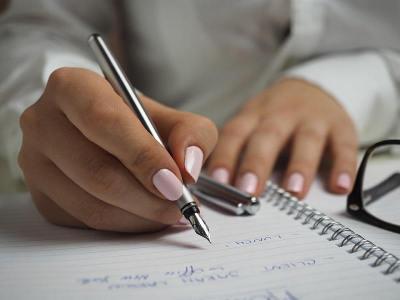 Pisanie tekstów na strony internetowe – czy można na tym zarobić?
