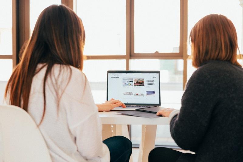 Jak zadbać o swoich kontrahentów w sieci?